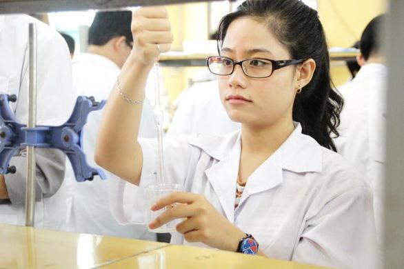 Mong nhiều sinh viên theo con đường khoa học - Ảnh 1.