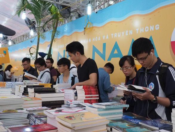 Hội sách Việt Nam 2018 giới thiệu 50.000 tên sách - Ảnh 1.