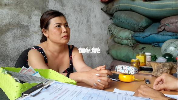 Bột đá, vỏ cà phê nhuộm pin đưa đi tiêu thụ ở Bình Phước - Ảnh 1.