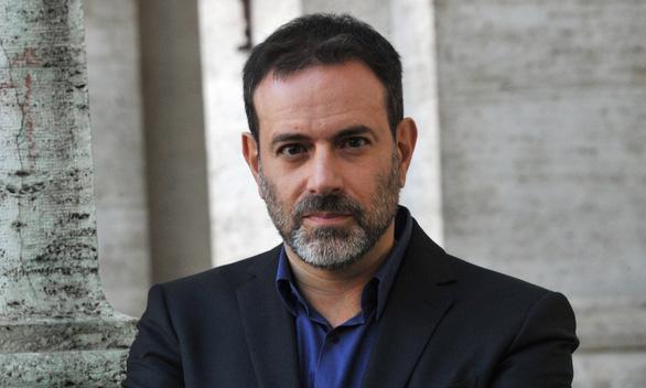 Harvey Weinstein của Ý lên thớt vì bê bối quấy rối tình dục - Ảnh 1.