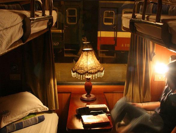 Cách đi tàu đêm tiết kiệm tiền và thời gian - Ảnh 3.