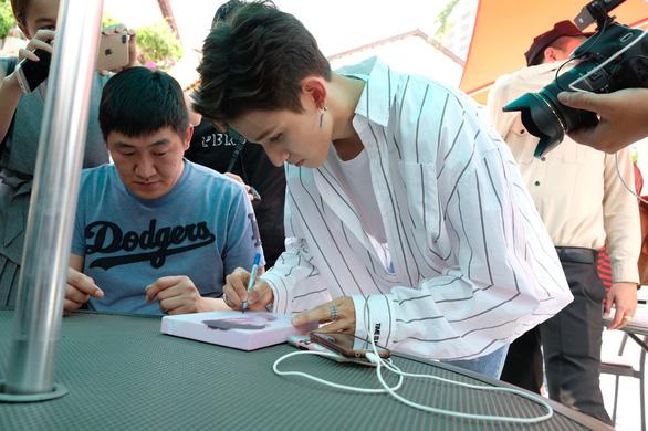 Kim Samuel: Tôi muốn ăn phở, mặc áo dài và du lịch Việt Nam - Ảnh 7.