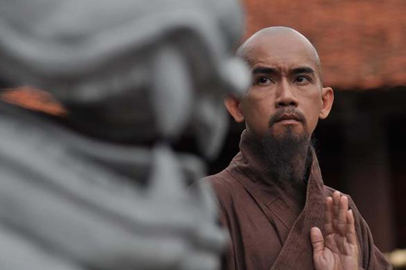 Điện ảnh Việt đang vay mượn niềm tự hào từ phim ngoại? - Ảnh 10.