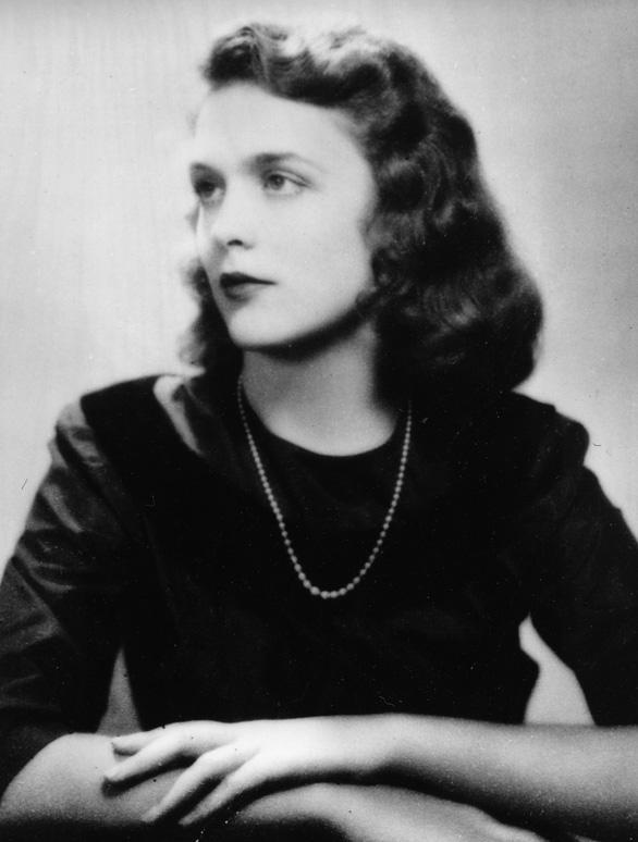 Barbara Bush dành cả đời chăm chút chồng và 5 con - Ảnh 5.