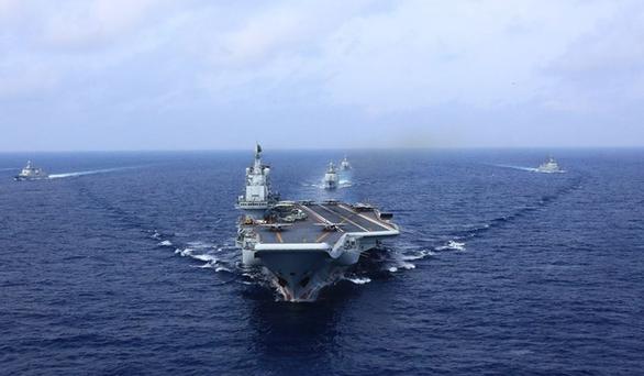 Tàu sân bay Trung Quốc tập trận dằn mặt Đài Loan - Ảnh 1.