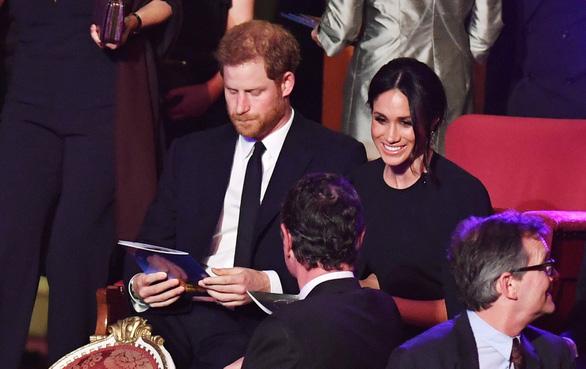 Vì sao Nữ hoàng Anh có 2 tiệc sinh nhật? - Ảnh 6.