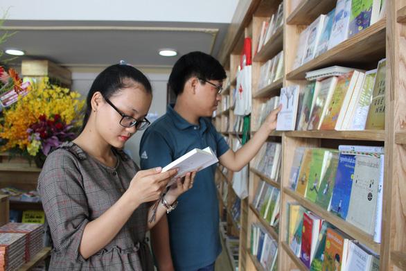 Khai trương chi nhánh Nhà xuất bản Trẻ tại Đà Nẵng - Ảnh 3.