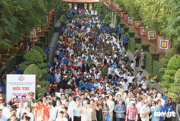 Hàng ngàn người dự giỗ Tổ Hùng Vương tại TP.HCM - Ảnh 2.