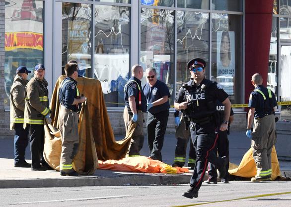 Báo chính thống lại dính tin giả trong vụ lao xe làm 10 người chết ở Canada - Ảnh 2.