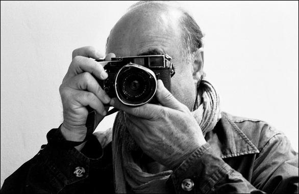 Abbas, nhiếp ảnh gia Iran từng chụp chiến tranh Việt Nam vừa qua đời - Ảnh 1.
