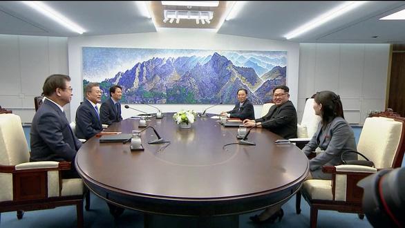 Giây phút lịch sử trên bán đảo Triều Tiên - Ảnh 6.