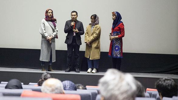 Cha cõng con giành giải Phim hay nhất châu Á ở Iran - Ảnh 1.