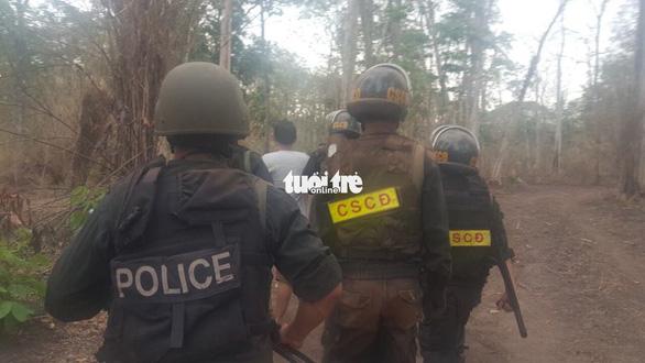 Tấn công sào huyệt lâm tặc Phượng râu tại vườn quốc gia Yok Đôn - Ảnh 4.