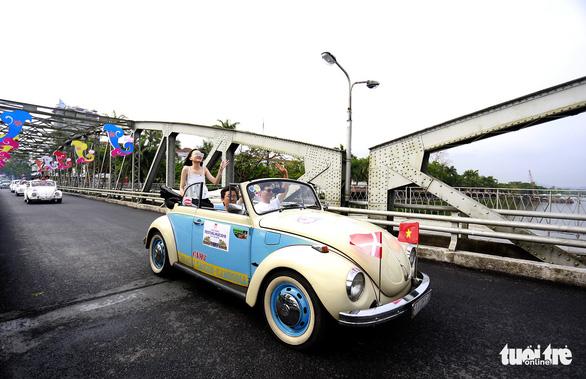 Mãn nhãn với đoàn xe cổ Volkswagen chào mừng Festival Huế 2018 - Ảnh 1.