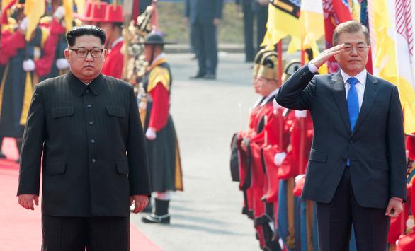 Giây phút lịch sử trên bán đảo Triều Tiên - Ảnh 4.