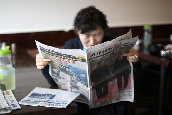 Ông Trump vẫn duy trì áp lực với Triều Tiên, chốt 2-3 điểm gặp ông Kim - Ảnh 1.