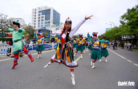 Festival Huế 2018: xem cà kheo Bỉ, múa sư tử Nhật - Ảnh 5.