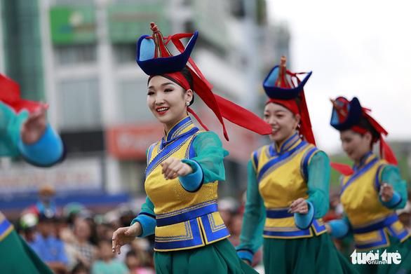 Festival Huế 2018: xem cà kheo Bỉ, múa sư tử Nhật - Ảnh 4.
