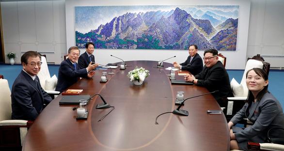 Trùm tình báo Hàn Quốc rơi nước mắt trong thượng đỉnh liên Triều - Ảnh 2.