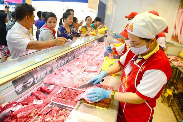 Bộ Công thương: Mất cân đối cung cầu, tết thiếu khoảng 200.000 tấn thịt heo - Ảnh 1.