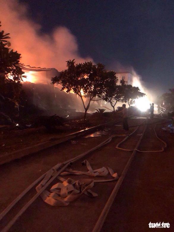 Cháy lớn tại nhà máy dệt sợi ở Khu công nghiệp Long Giang - Ảnh 5.