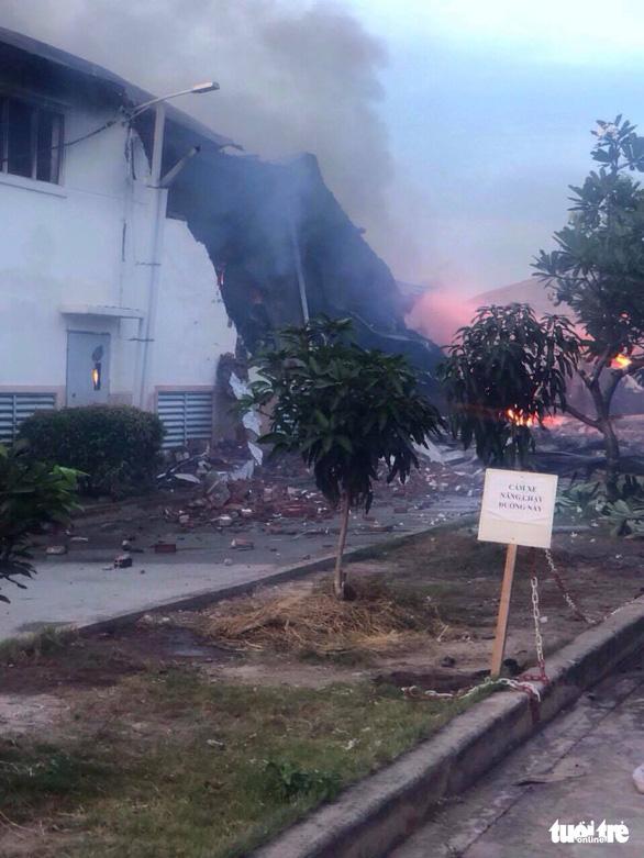 Cháy lớn tại nhà máy dệt sợi ở Khu công nghiệp Long Giang - Ảnh 4.