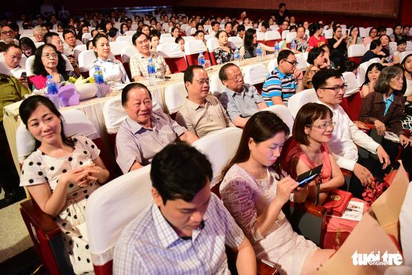 Trăm năm cải lương xúc động đêm diễn tôn vinh thầy Ba Đợi - Ảnh 3.