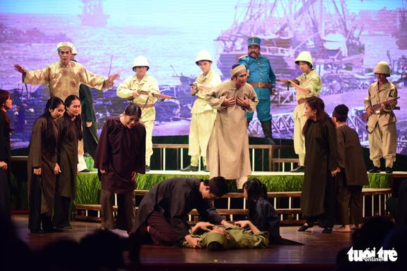 Trăm năm cải lương xúc động đêm diễn tôn vinh thầy Ba Đợi - Ảnh 2.