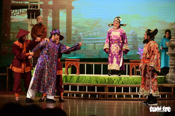 Trăm năm cải lương xúc động đêm diễn tôn vinh thầy Ba Đợi - Ảnh 9.