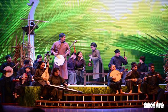 Trăm năm cải lương xúc động đêm diễn tôn vinh thầy Ba Đợi - Ảnh 13.