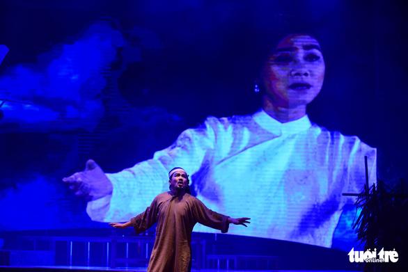 Trăm năm cải lương xúc động đêm diễn tôn vinh thầy Ba Đợi - Ảnh 15.