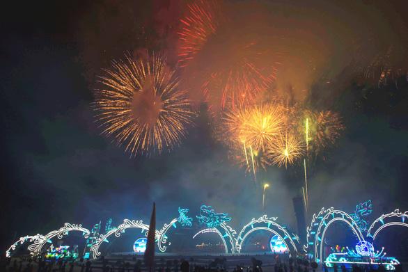 Rực rỡ sắc màu đêm Carnaval Hạ Long - Ảnh 5.
