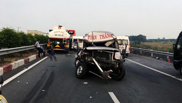 Khói mù mịt, nhiều xe tông nhau trên cao tốc TP.HCM - Long Thành - Ảnh 11.