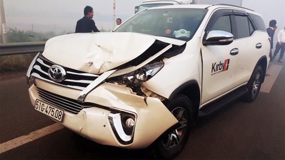 Khói mù mịt, nhiều xe tông nhau trên cao tốc TP.HCM - Long Thành - Ảnh 10.