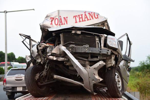 Khói mù mịt, nhiều xe tông nhau trên cao tốc TP.HCM - Long Thành - Ảnh 21.