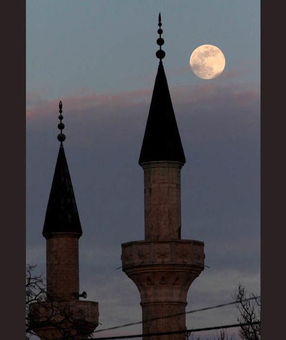 Ngắm trăng xanh lần thứ hai trong năm 2018 - Ảnh 2.