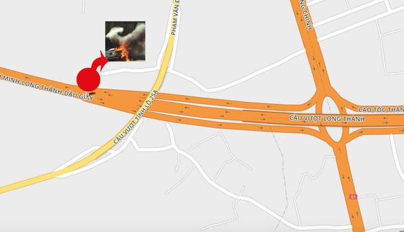 Khói mù mịt, nhiều xe tông nhau trên cao tốc TP.HCM - Long Thành - Ảnh 3.
