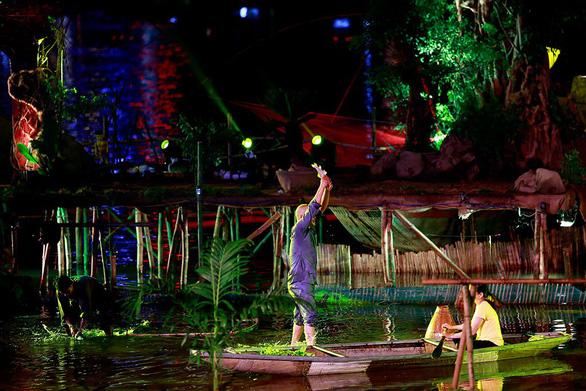 Festival Huế 2018: Âm vọng sông Hương dành cho người yêu Huế - Ảnh 4.