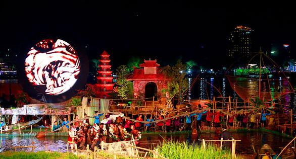 Festival Huế 2018: Âm vọng sông Hương dành cho người yêu Huế - Ảnh 1.