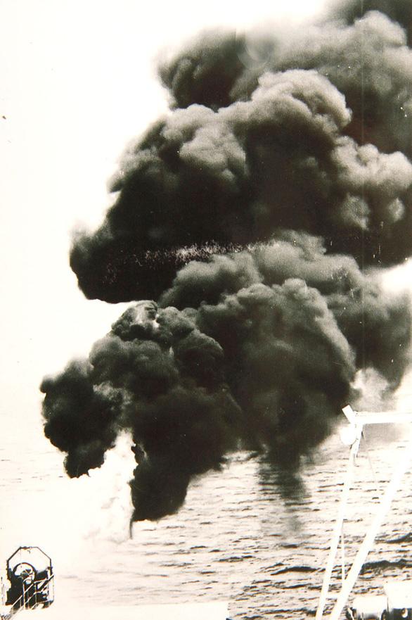Mỏ dầu Bạch Hổ: Những mũi khoan gặp dầu - Ảnh 2.