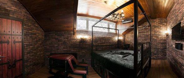 Khách sạn tình yêu cho những cặp đôi thăng hoa ở Ukraine - Ảnh 2.