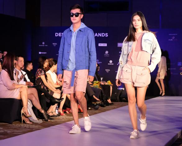 30 nhà thiết kế, 400 người mẫu tham gia Tuần lễ thời trang quốc tế  - Ảnh 6.