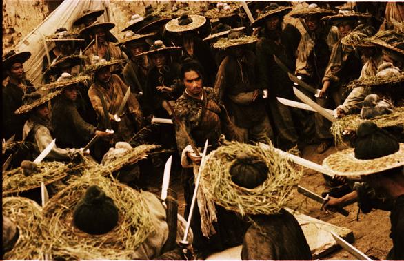 Khi Vương Gia Vệ mượn kiếm hiệp để kể chuyện diễm tình - Ảnh 3.