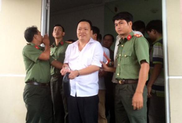 Ba cựu lãnh đạo Agribank Cần Thơ gây thiệt hại hơn 304 tỉ - Ảnh 1.