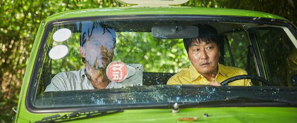 A taxi driver - phim ăn khách nhất màn ảnh Hàn năm 2017 - Ảnh 1.