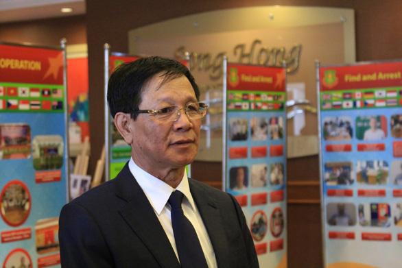 Khởi tố cựu tổng cục trưởng Tổng cục Cảnh sát Phan Văn Vĩnh - Ảnh 1.