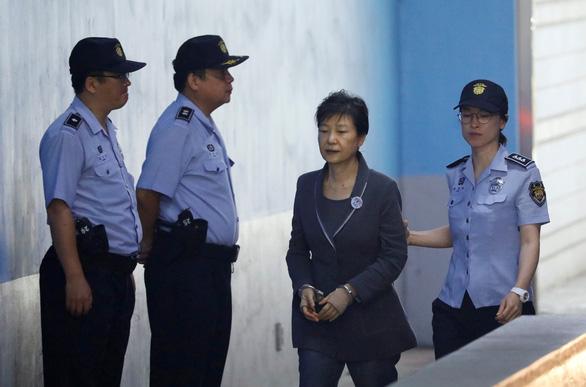 Bản án bà Park chặt đứt quan hệ quyền lực và tập đoàn - Ảnh 5.