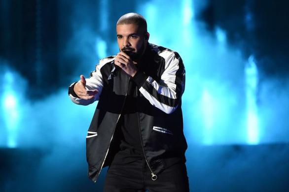 Ngai vàng ở khu ổ chuột với Drake, Cardi, Eminem, Kendrick Lamar  - Ảnh 1.