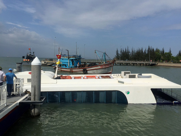 Tiến hành trục vớt tàu cao tốc bị nạn tại biển Cần Giờ - Ảnh 6.