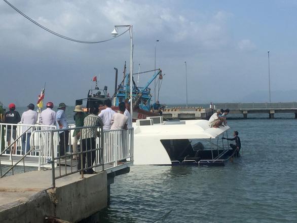 Tiến hành trục vớt tàu cao tốc bị nạn tại biển Cần Giờ - Ảnh 5.